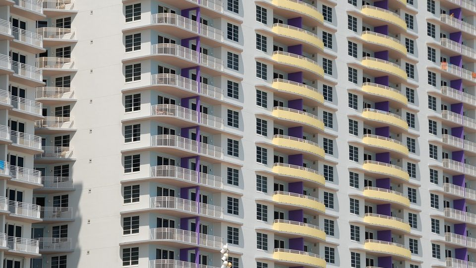 Advantages of Investing in a Condominiums